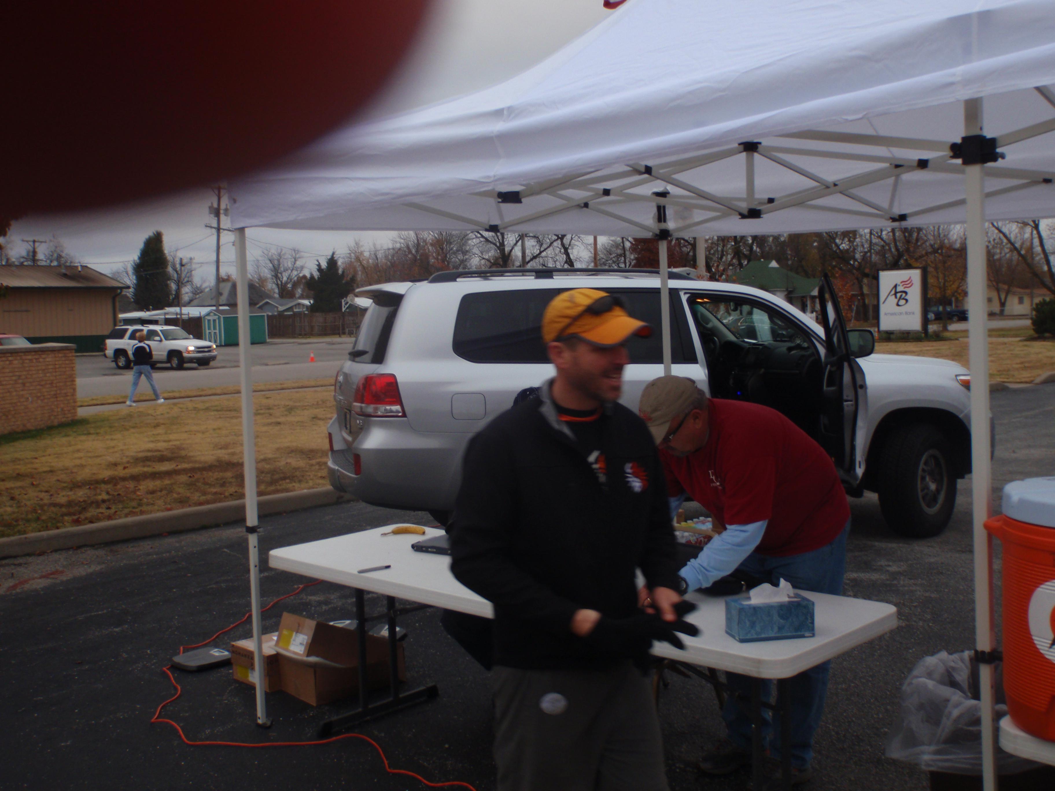 Mav managing things at pre-race registration!